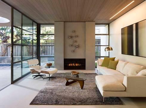 The Lantern House: modern Living room by Feldman Architecture