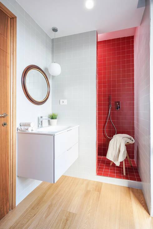 Bathroom by OKS ARCHITETTI