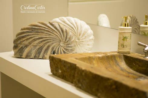 Decoracion Baño social: Baños de estilo moderno por Cristina Cortés Diseño y Decoración