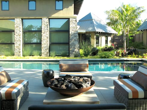 Island Style Tropical : tropical Pool by Debora Carl Landscape Design