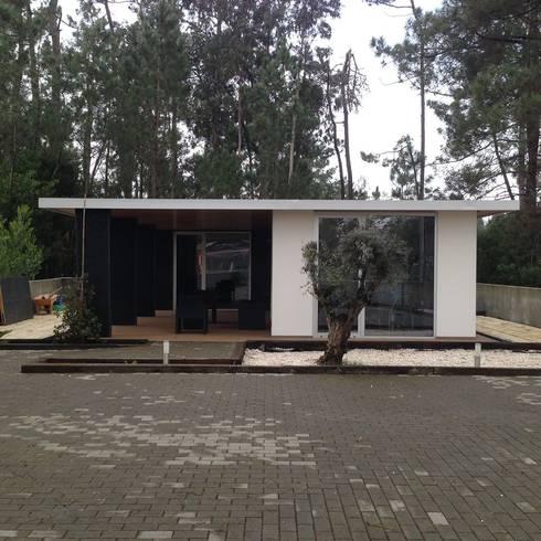 Moradias LOWCOST:   por Ingenio's - Gestão de Imóveis