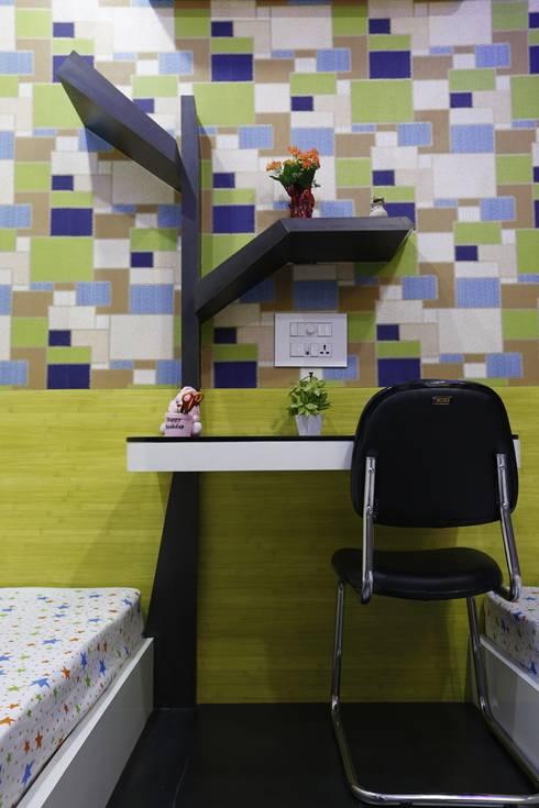 Kids Room Study & tree shaped bookshelf:  Bedroom by RAVI - NUPUR ARCHITECTS