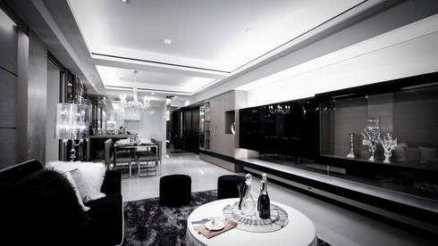 BRAVO INTERIOR DESIGN & DECO    CHIC STYLE:  客廳 by 璞碩室內裝修設計工程有限公司