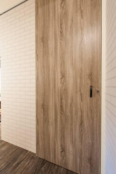 新北市中和區-美容美體SPA館:   by 森叄室內裝修設計有限公司