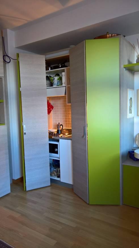 Cocinas de estilo moderno por GIRANINTERNI