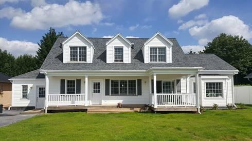 GEORGE L Rear: landhausstil Häuser von THE WHITE HOUSE american dream homes gmbh