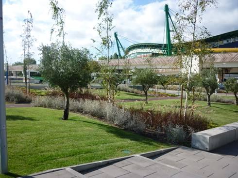 Edifício sede da NOS:   por Jardins do Paço