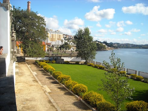 Palácio do Freixo:   por Jardins do Paço