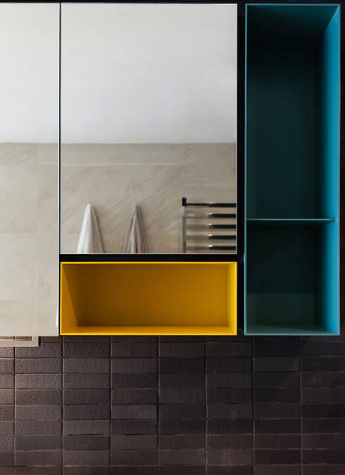 minimalistic Bathroom by arctitudesign