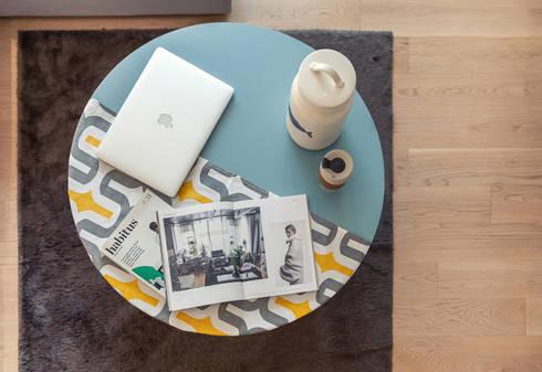 minimalistic Living room by arctitudesign