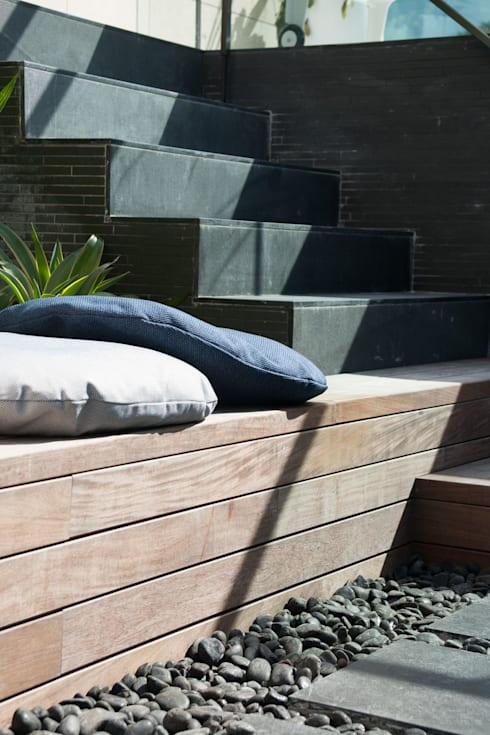 Take a seat in the Sun: modern Garden by Sensearchitects Limited