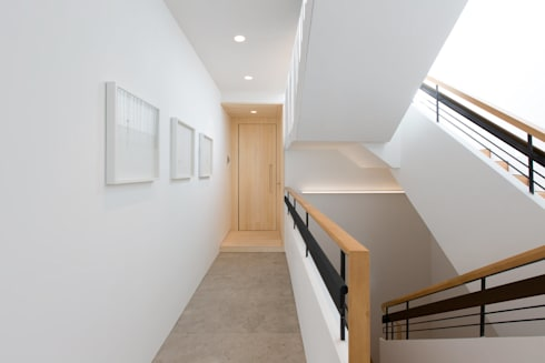Paintings:  Corridor & hallway by Sensearchitects Limited