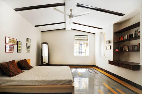 colonial Bedroom by Dhruva Samal & Associates