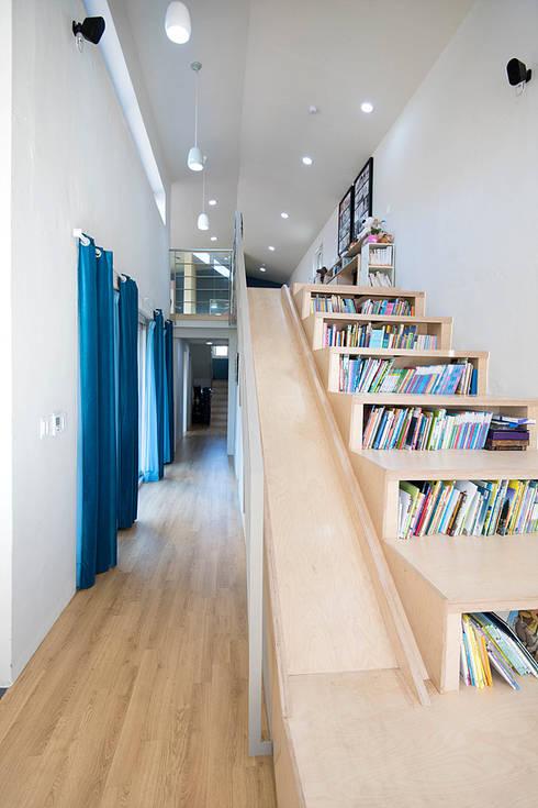 Koridor dan lorong by 오파드 건축연구소