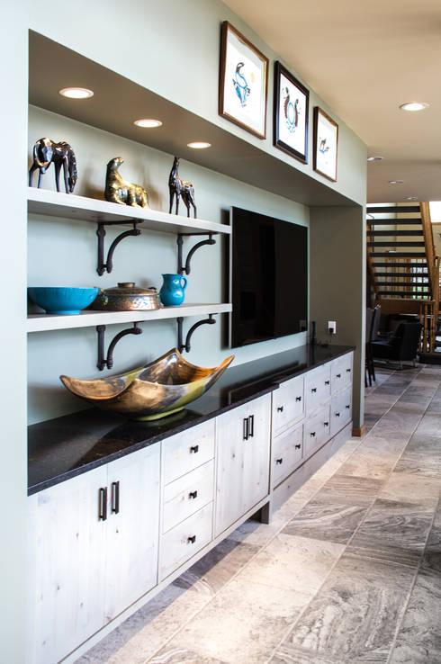 Salas multimedia de estilo moderno por Unit 7 Architecture
