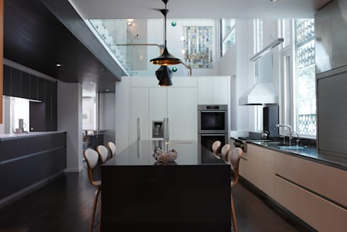 ZT Residence Interiors : modern Kitchen by Unit 7 Architecture