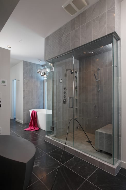 ZT Residence Interiors :  Bathroom by Unit 7 Architecture