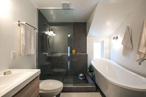 SV Modern Bathroom: modern Bathroom by Unit 7 Architecture