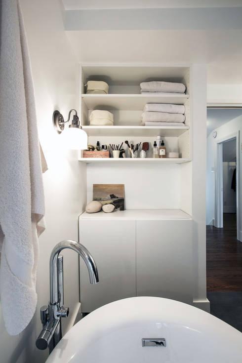 SV Modern Bathroom:  Bathroom by Unit 7 Architecture