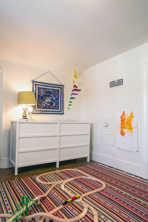 SV Modern Kids Bedroom:  Bedroom by Unit 7 Architecture