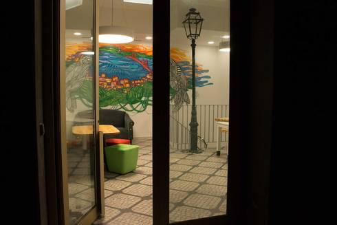Study in Lisbon Lounge: Lojas e espaços comerciais  por ORCHIDS LOFT