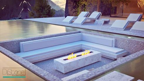 Ambiente Residencial - Exterior: Piscina  por Distone