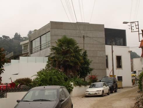 Alçado Lateral - Depois:   por Albertina Oliveira-Arquitetura Unipessoal Lda