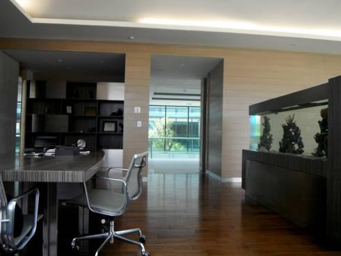 ISQUISA - MAC Arquitectos Consultores: Estudios y oficinas de estilo moderno por MAC Arquitectos Consultores