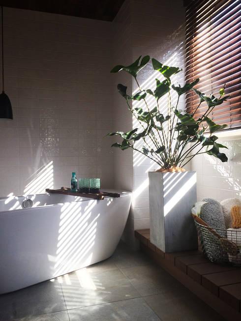Plants/L: (有)ハートランドが手掛けた浴室です。