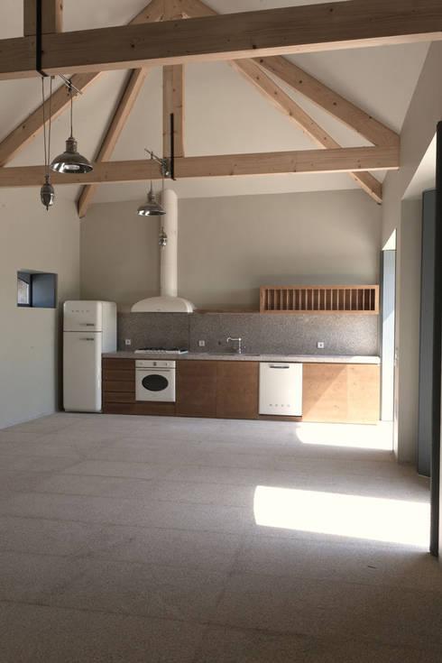 1010hrm: Cozinhas clássicas por Jj Soares arquiteto