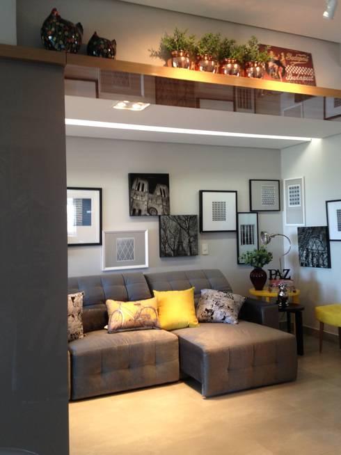 Salas de estilo moderno por Cia de Arquitetura
