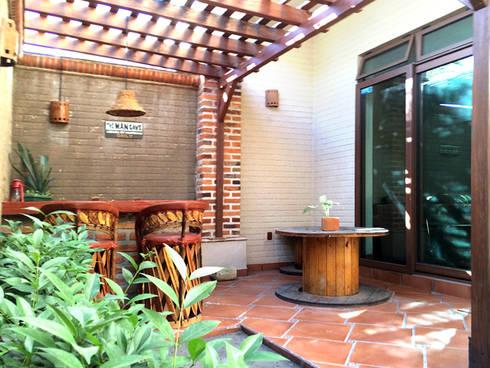Terraza: Terrazas de estilo  por Base-Arquitectura