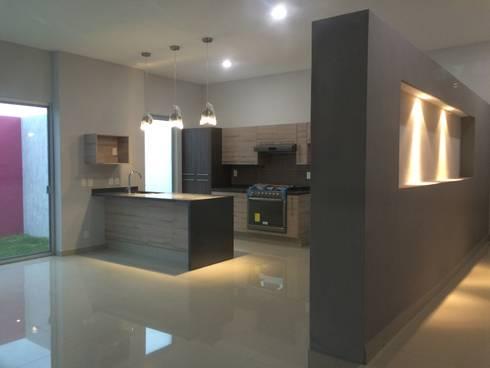 Cocina: Cocinas de estilo minimalista por Base-Arquitectura