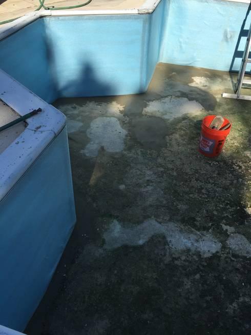 Rehabilitación y renovación de la piscina residencial de Mr. Arthur Hulbert en New Jersey, USA.:  de estilo  por Avel Benapi Services, dba, ABS Pool Patrol