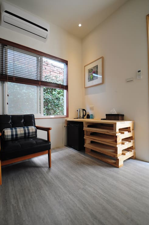 Hoteles de estilo  por 貳工箱造 H2 Box Design