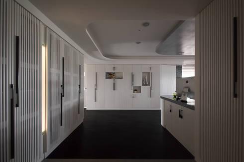 方景之家 House of Window:   by 行一建築 _ Yuan Architects