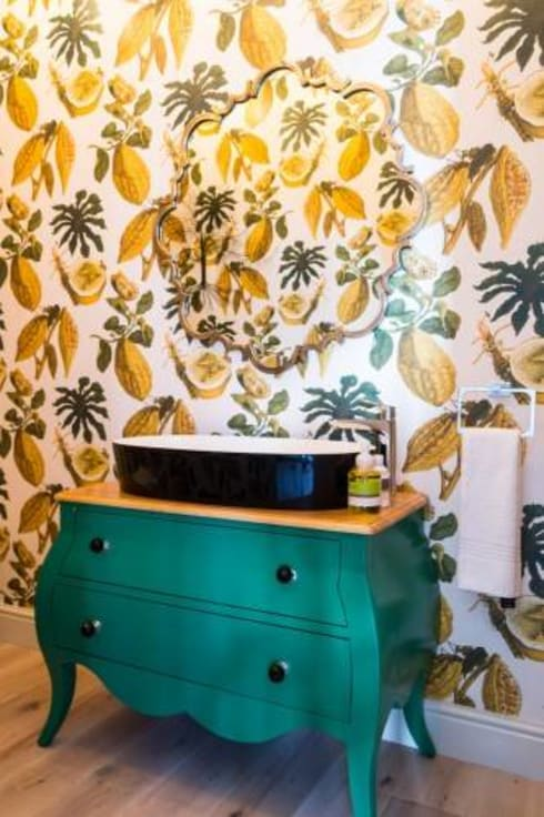 House Paterson Road: eclectic Bathroom by The Painted Door Design Company