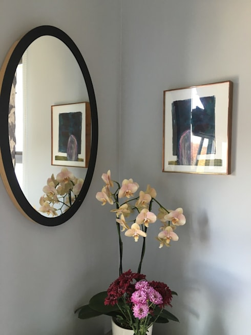 Studio Apartment Riversedge:  Bedroom by The Painted Door Design Company