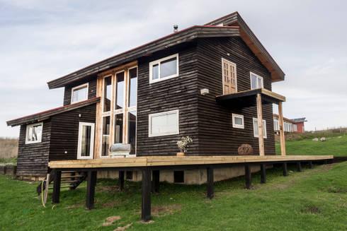Fachada Casa: Casas de estilo rural por Almazan Arquitectura y Construcción