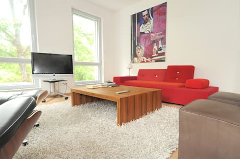 Couchtisch Eiche : minimalistische Wohnzimmer von Daniel Renken 'gestaltung + innenausbau'