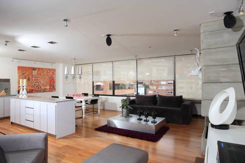 Apto Cr 3 – Cll 74 : Salas de estilo moderno por Bloque B Arquitectos