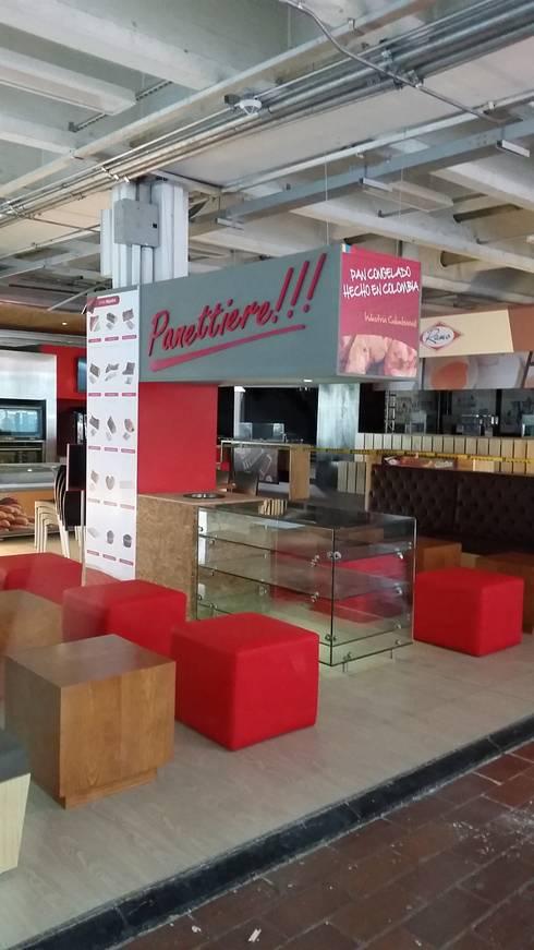 Estand Panettiere: Espacios comerciales de estilo  por Bloque B Arquitectos