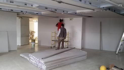 Proyecto Oficinas Ecopetrol: Oficinas y Tiendas de estilo  por Bloque B Arquitectos