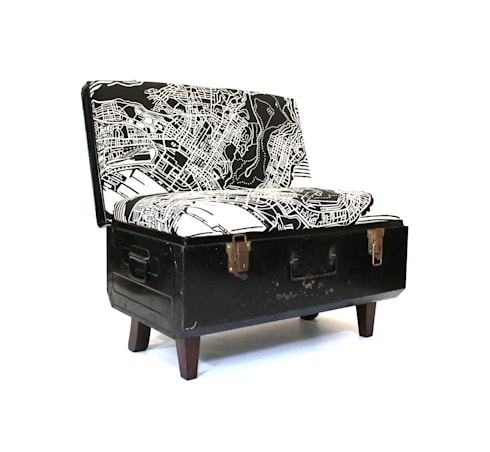 Suitcase Chairs: eclectic Living room by Recreate