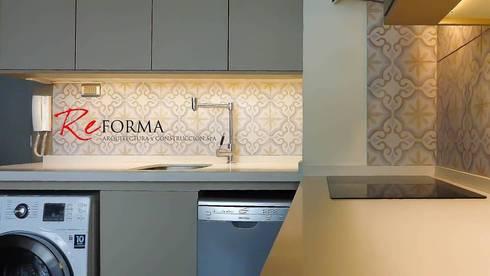 Reforma Malamud-Larenas: Cocinas de estilo moderno por Reforma Arquitectura y Construcción SpA