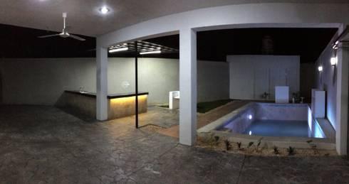 Terraza: Albercas de estilo moderno por Atelier U + M