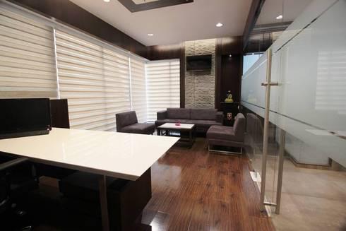 OFFICE : modern Study/office by studio 7 designs