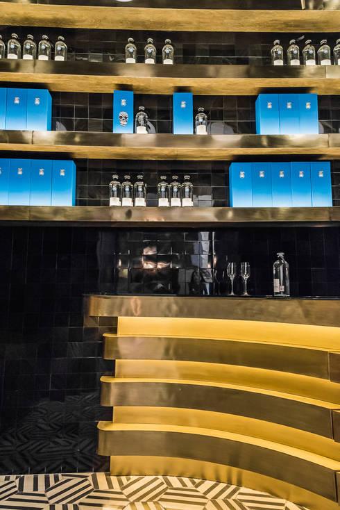TASTING ROOM / CASA DRAGONES TEQUILA:  de estilo  por Oscar Hernández - Fotografía de Arquitectura