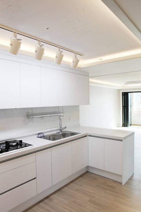 Kitchen by 디자인팩토리9MM
