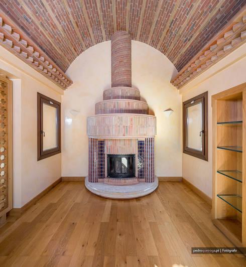 غرفة المعيشة تنفيذ Pedro Queiroga | Fotógrafo